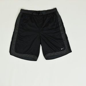 Nike Regular XL Black   Short Polyester Solid